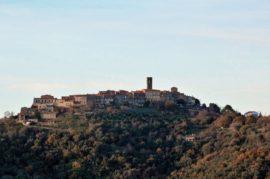 L – Castello-di-Vetulonia-Castiglione-Della-Pescaia